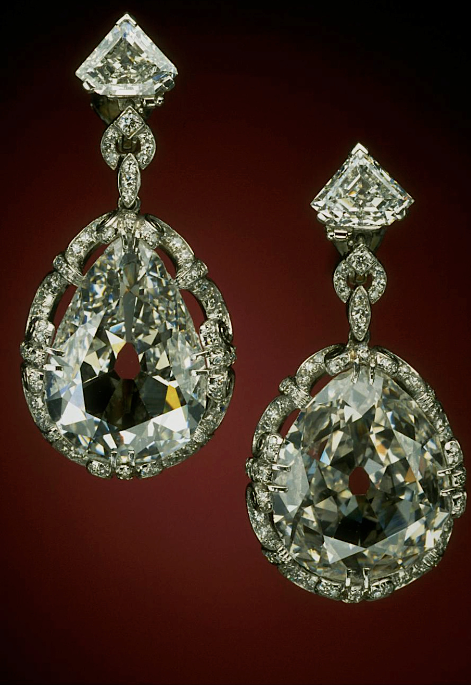 Bijoux de Marie-Antoinette : boucles d'oreilles et girandoles Captu570