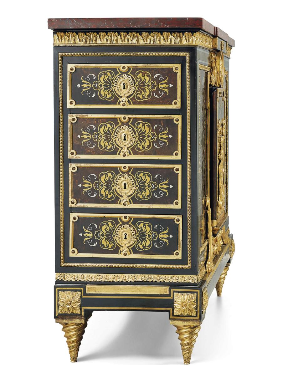 Le mobilier et le renouveau du « style Boulle » dans les années 1770-1780 : Etienne Levasseur et Adam Weisweiler Captu883