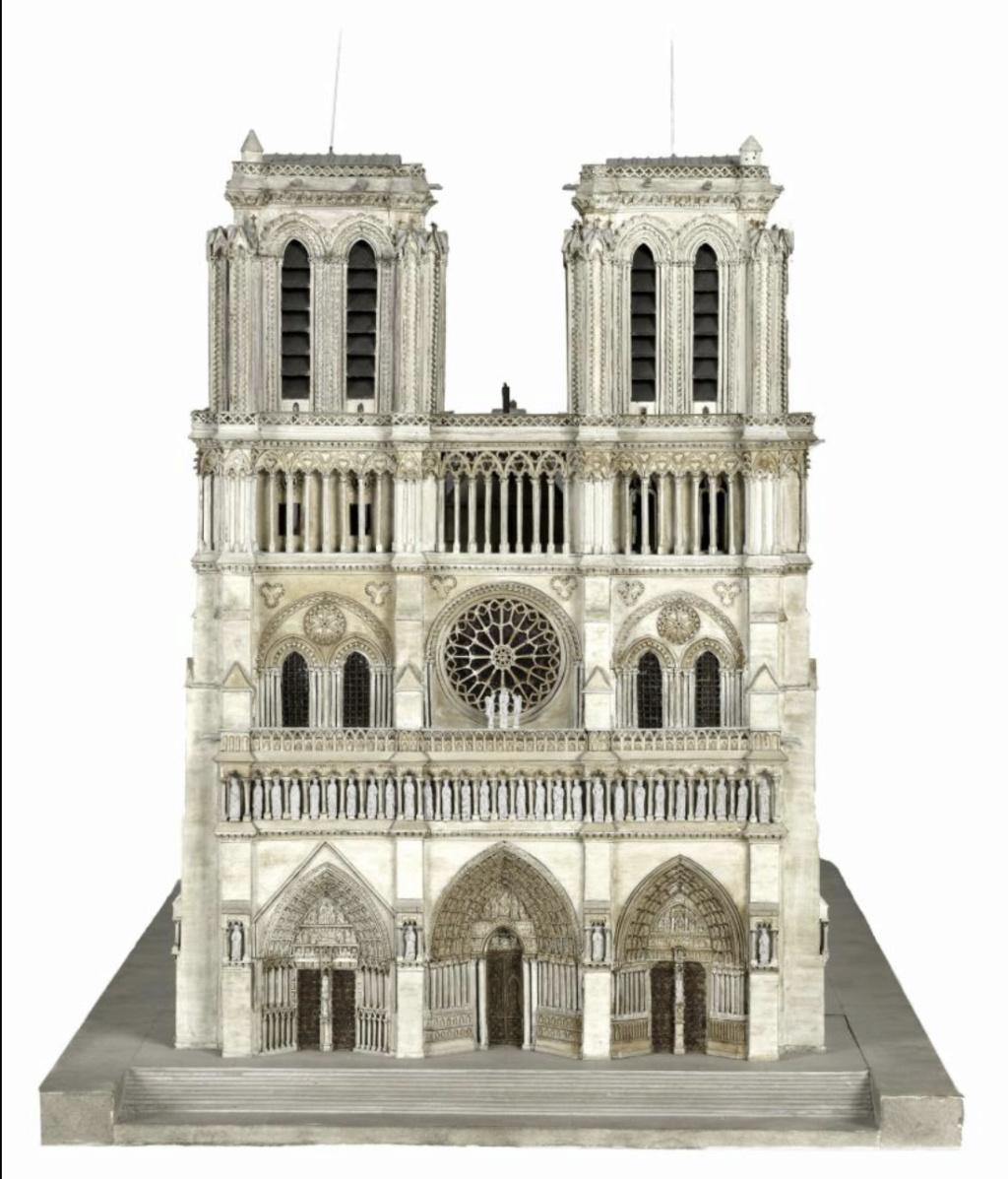 Maquettes historiques de la cathédrale Notre-Dame de Paris Captu912