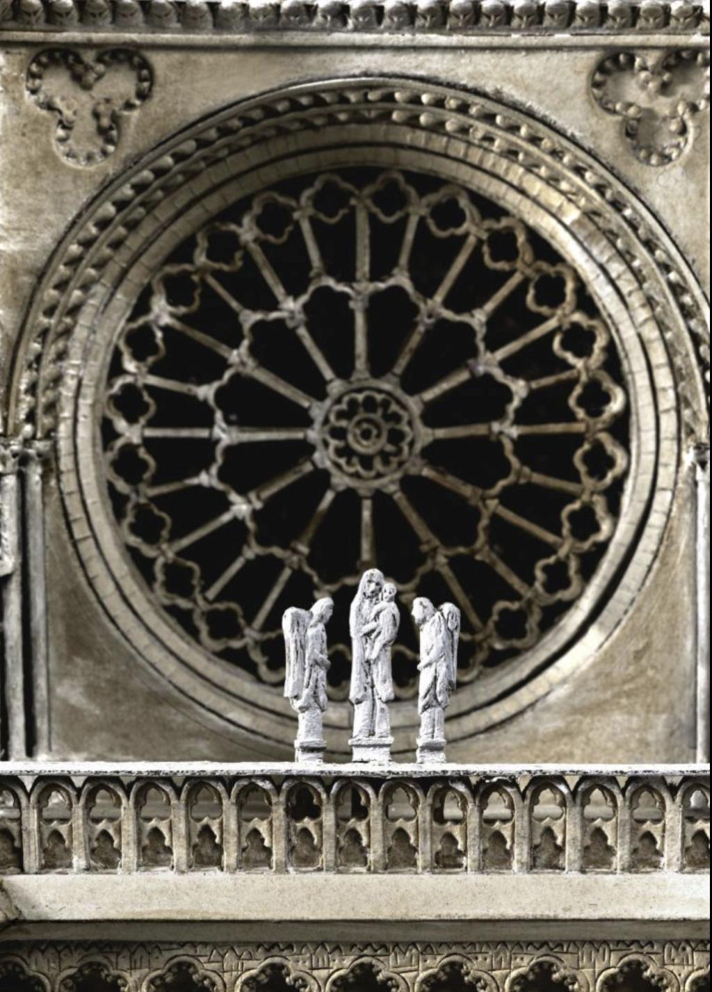 Maquettes historiques de la cathédrale Notre-Dame de Paris Captu915
