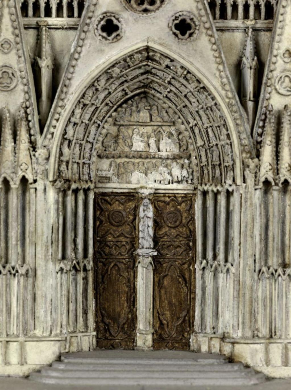 Maquettes historiques de la cathédrale Notre-Dame de Paris Captu920