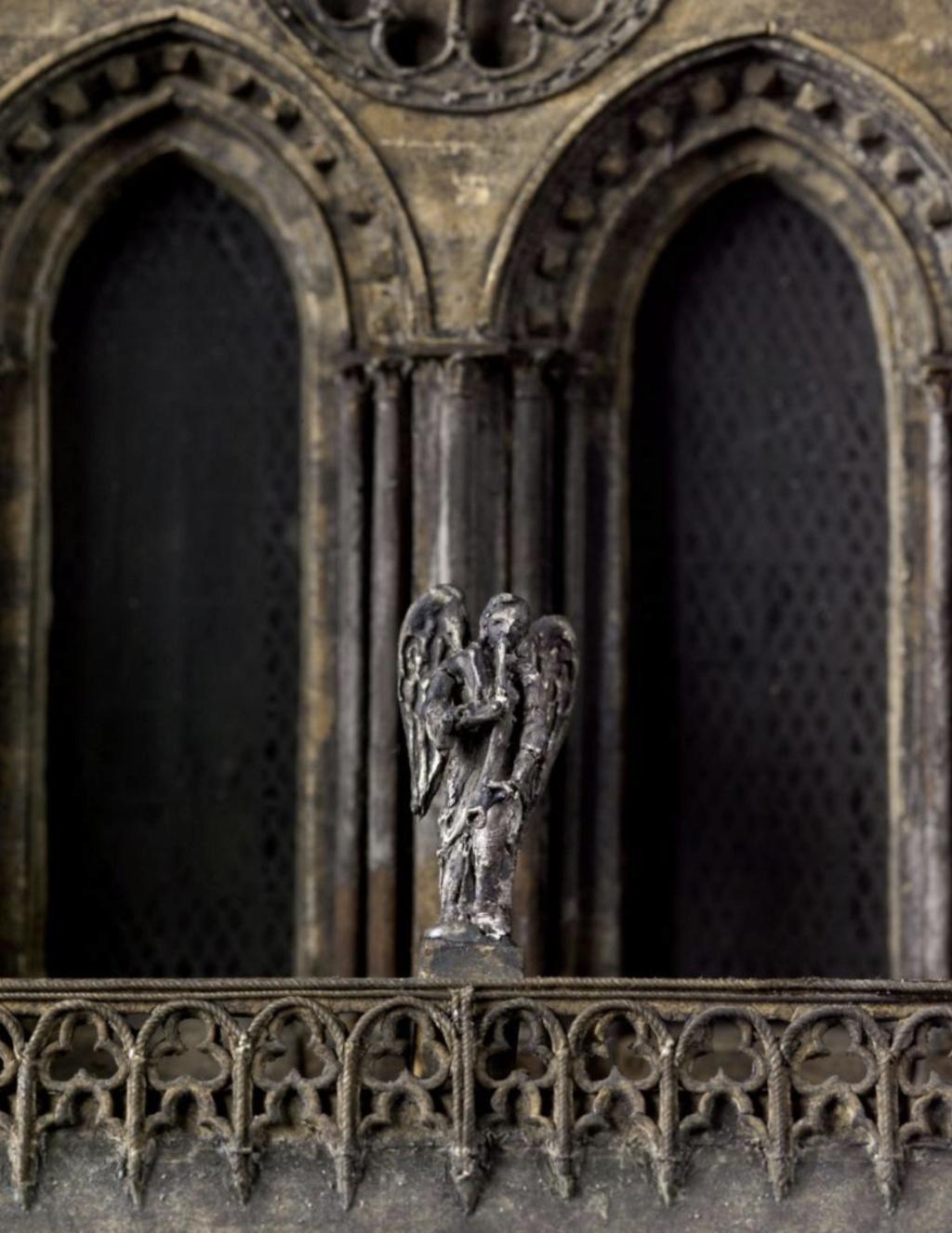 Maquettes historiques de la cathédrale Notre-Dame de Paris Captu935