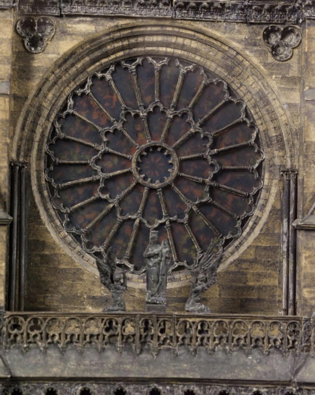Maquettes historiques de la cathédrale Notre-Dame de Paris Captu939