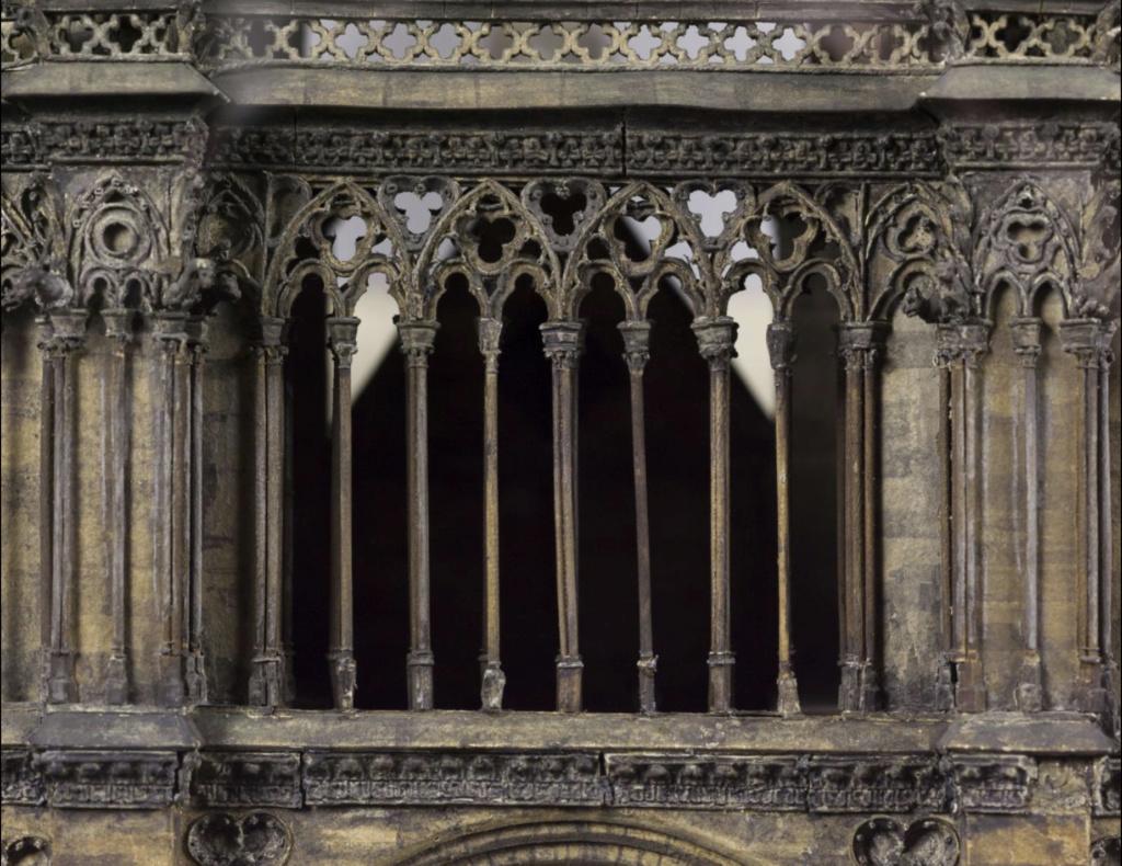 Maquettes historiques de la cathédrale Notre-Dame de Paris Captu941