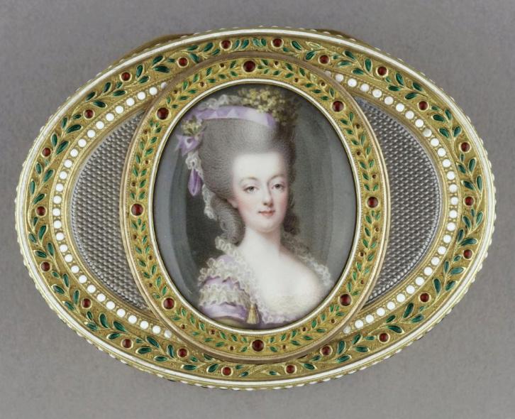 Marie Antoinette, miniatures attribuées à ou d'après François Dumont - Page 2 Captur37