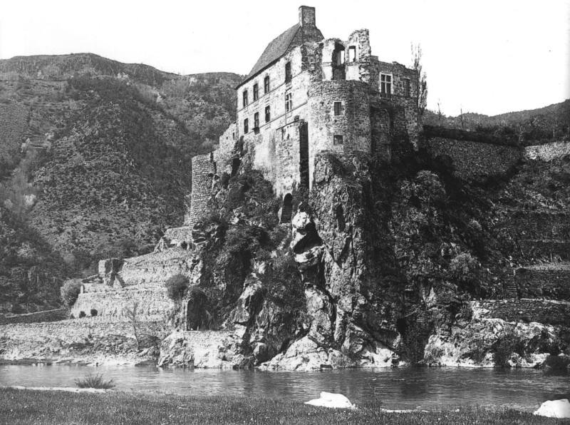Le château de Lavoûte-Polignac (Haute-Loire) Chatea25