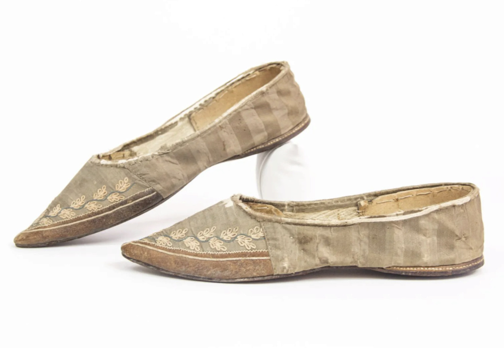 Chaussures et souliers du XVIIIe siècle - Page 2 Chauss12