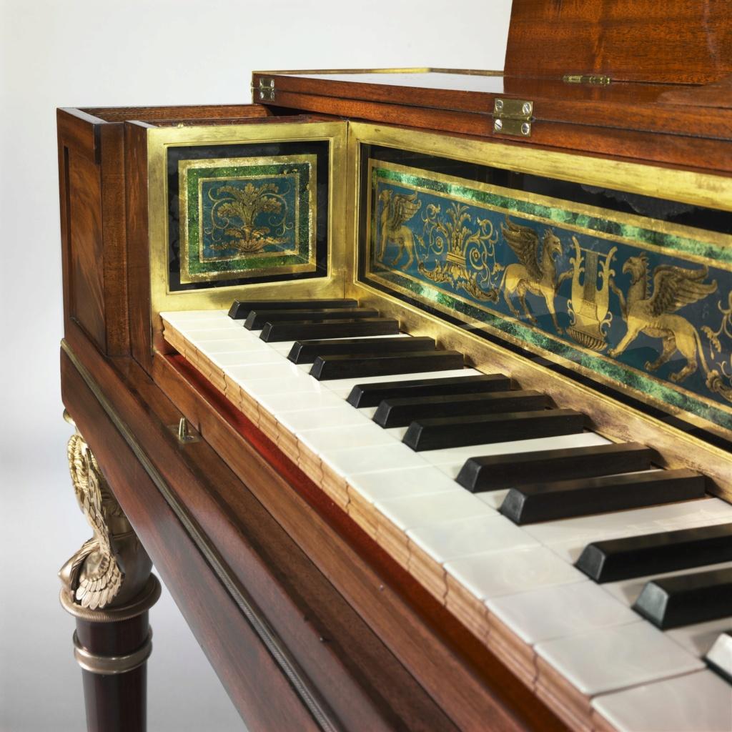 Un piano-forte ayant appartenu à Marie-Antoinette ?  Cmim0015
