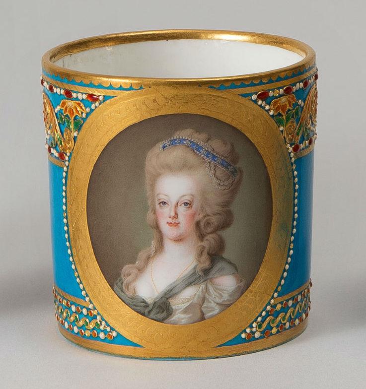 Divers portraits de Marie-Antoinette : miniatures du XVIIIe siècle (dont artistes non attribués) - Page 4 Cup-sa11
