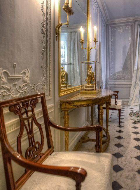 Les salles-de-bains de Marie-Antoinette à Versailles - Page 2 D7629c10