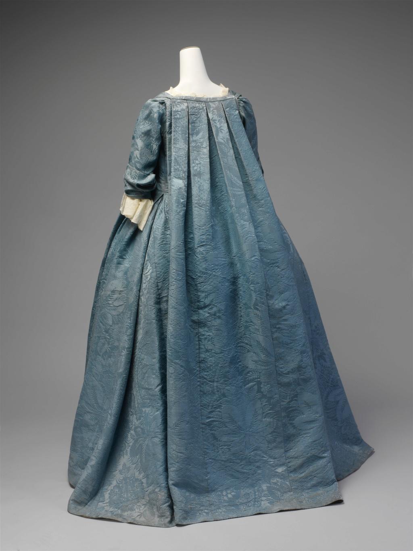 Les robes de grossesse au XVIIIème siècle Dp231410