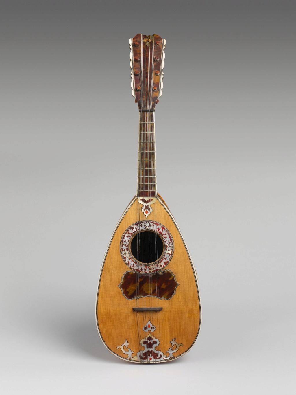 Une guitare-luth (et non pas une mandoline) ayant appartenu à Marie-Antoinette ?  Dp234510