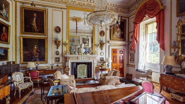Un piano-forte ayant appartenu à Marie-Antoinette ?  Drawin10