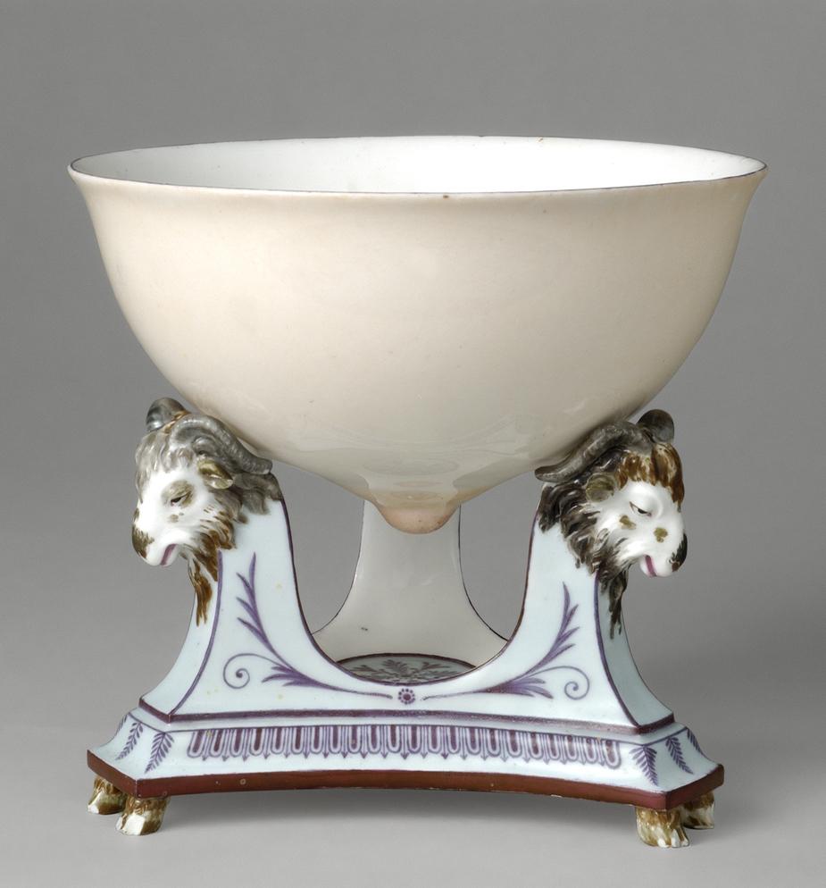 """Seaux à glace """" à trépieds """" en porcelaine de Sèvres  Evlaei11"""