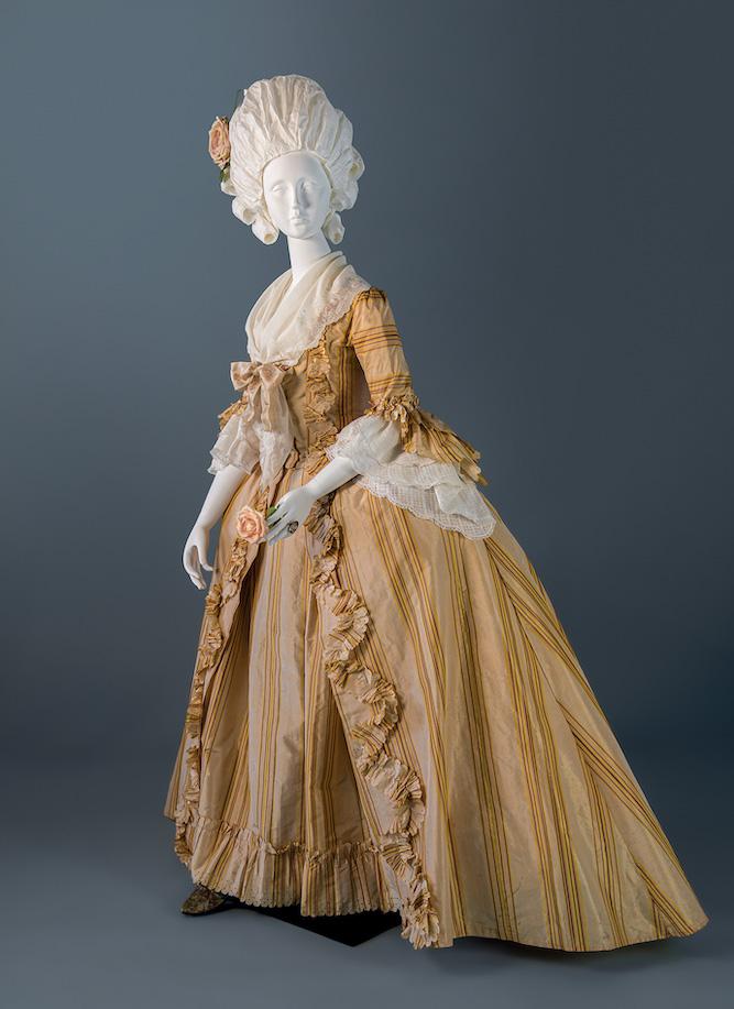 """Exposition """" L'art de vivre en Provence au temps de Fragonard """". Musée provençal du costume et du bijou (Grasse) Exposi16"""