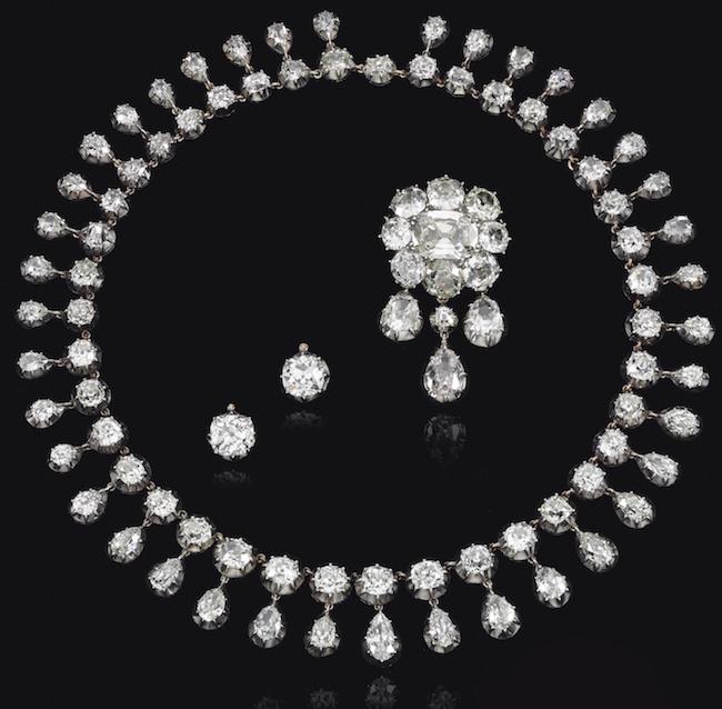 Bijoux de Marie-Antoinette : perles et diamants des Bourbon-Parme - Page 4 Ge180914