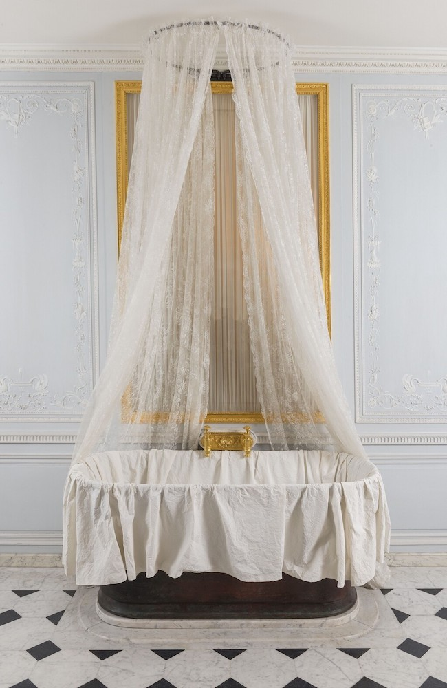 Les salles-de-bains de Marie-Antoinette à Versailles - Page 2 Image107