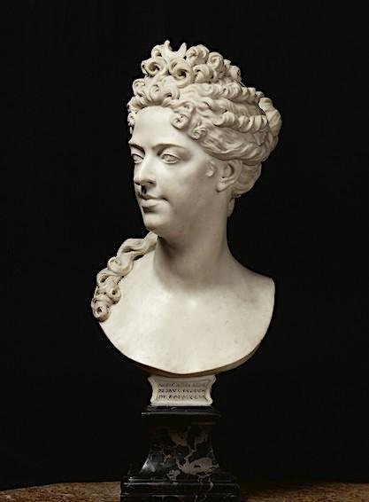 Buste de Mme Adélaïde, de Mme Clotilde, ou d'une inconnue (mais non pas de Marie-Antoinette) par Vavasseur ?  Image257
