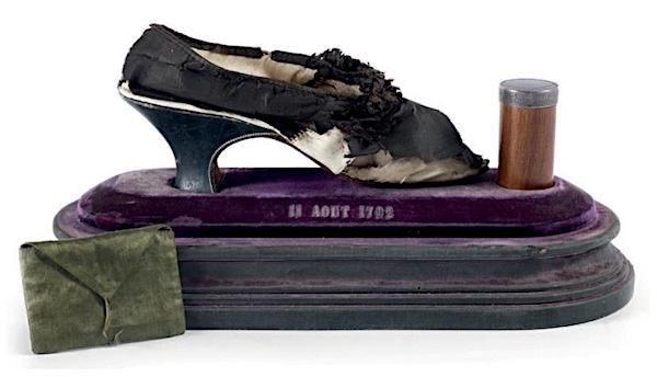 Les souliers et chaussures de Marie-Antoinette  - Page 5 Image_16