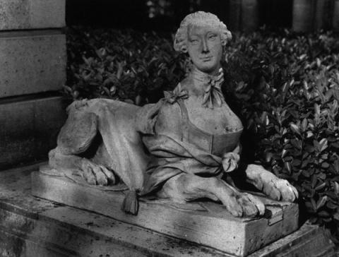 Marie-Antoinette en sphinge ?  Img-2-10