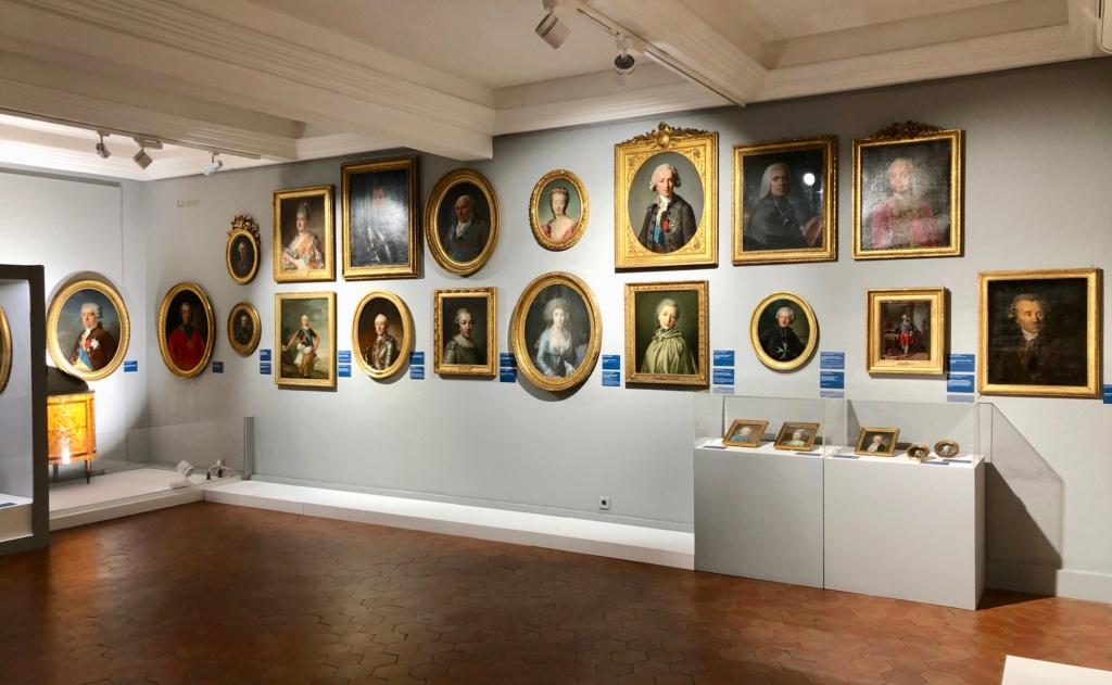 Cent portraits pour un siècle. Exposition au Musée Lambinet (Versailles) et Palais Lascaris (Nice) - Page 2 Img_0411