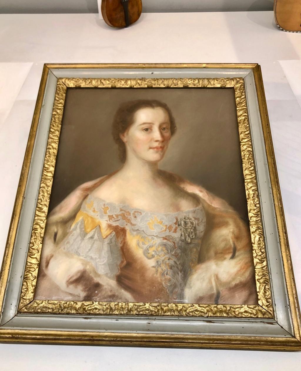 Cent portraits pour un siècle. Exposition au Musée Lambinet (Versailles) et Palais Lascaris (Nice) - Page 2 Img_0415