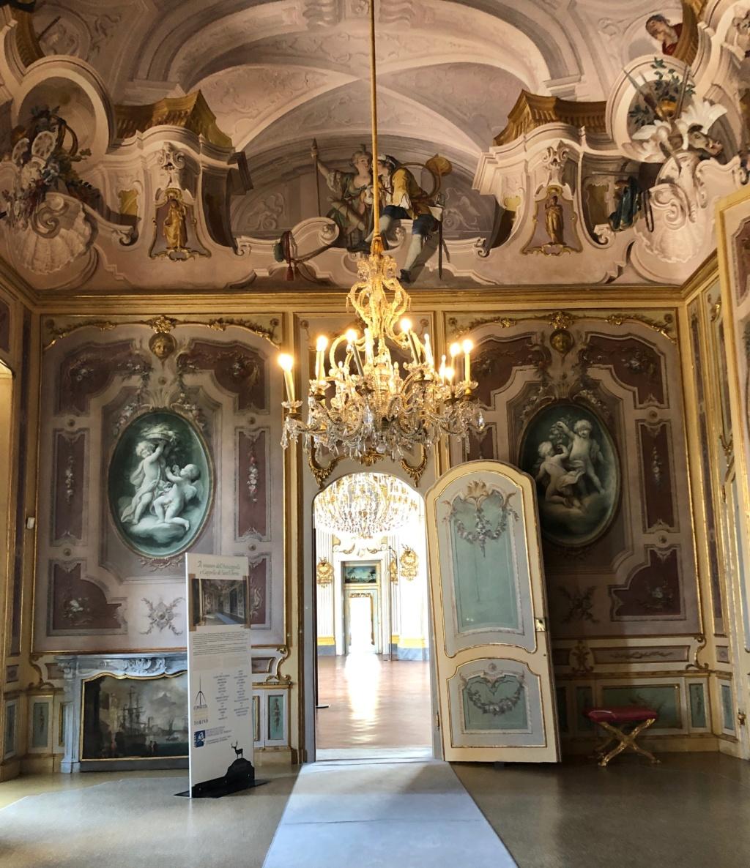 Saint-Hubert, château royal délaissé par Louis XVI Img_5714