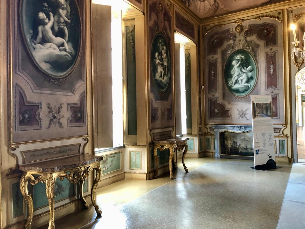 Saint-Hubert, château royal délaissé par Louis XVI Img_5715