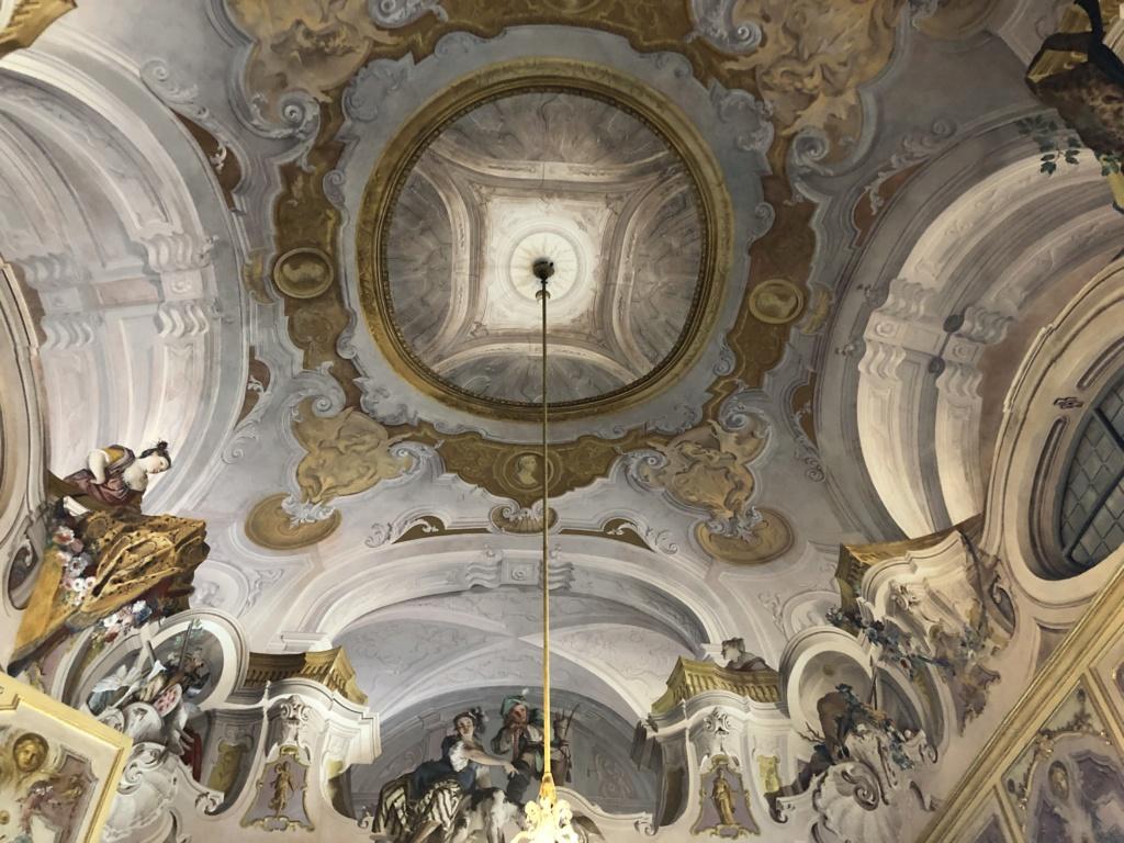 Saint-Hubert, château royal délaissé par Louis XVI Img_5716