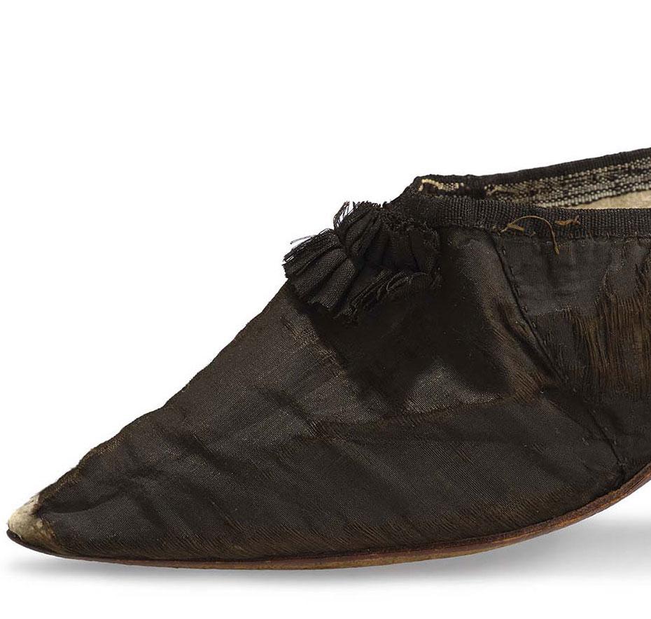 Les souliers et chaussures de Marie-Antoinette  - Page 4 Louvre23