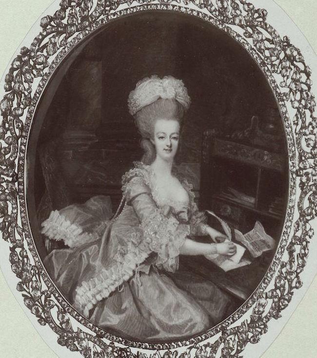 Marie Antoinette, miniatures attribuées à ou d'après François Dumont - Page 2 Marie-14