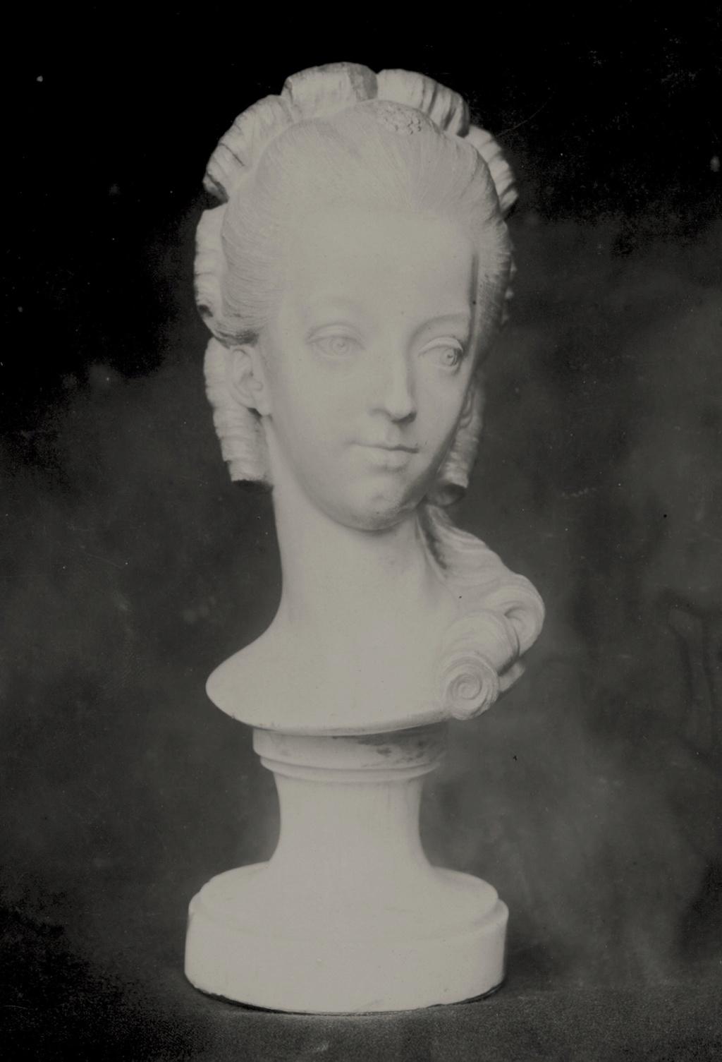 Bustes de Marie-Antoinette non attribués Marie-55
