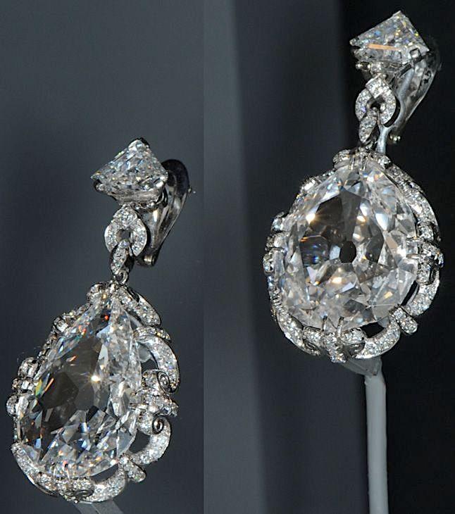 Bijoux de Marie-Antoinette : boucles d'oreilles et girandoles Marie109
