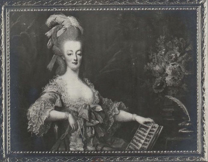 Marie Antoinette, miniatures attribuées à ou d'après François Dumont - Page 2 Marie_33