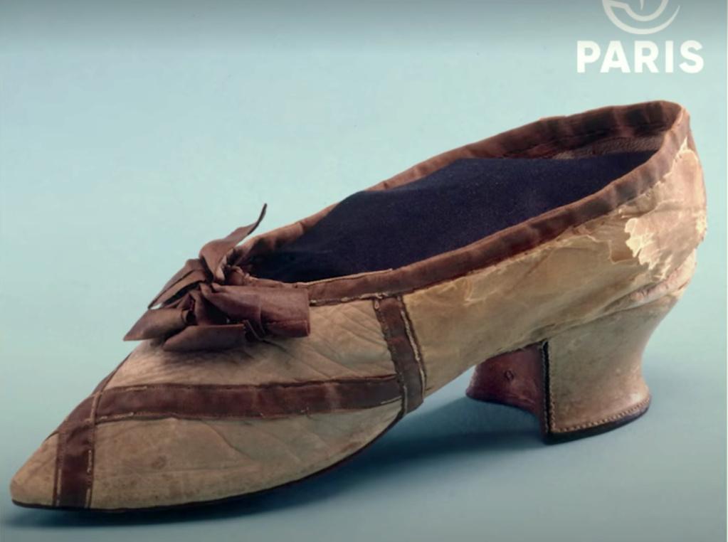 Les souliers et chaussures de Marie-Antoinette  - Page 7 Marie_39