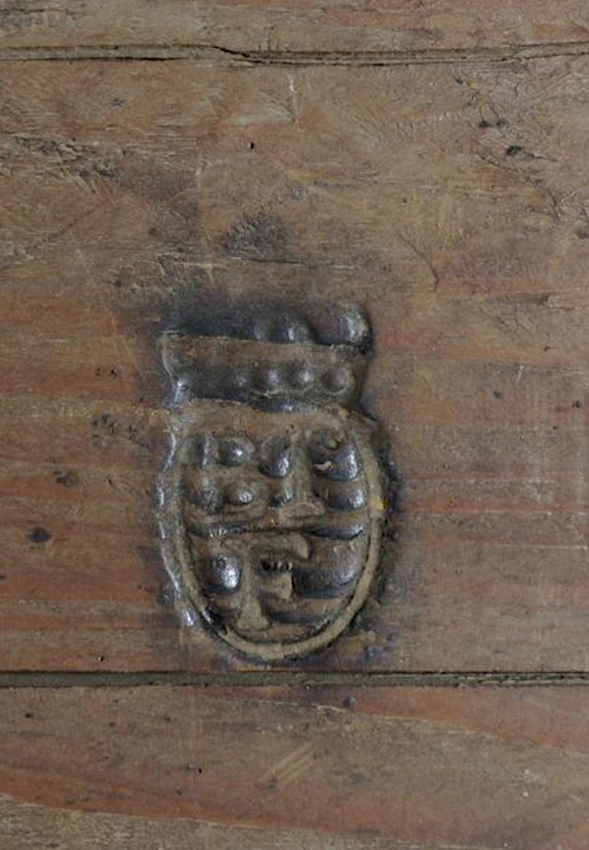 Marques du mobilier et sceau du Garde-Meuble de la reine Marie-Antoinette Marque12