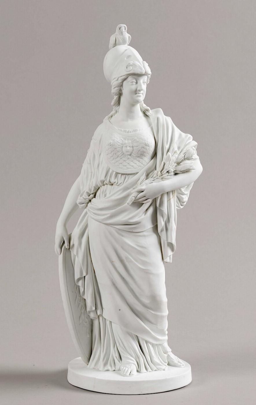Groupe en biscuit de porcelaine de Niderviller, par Lemire : Marie-Antoinette représentée sous les traits de Minerve ? Minerv10