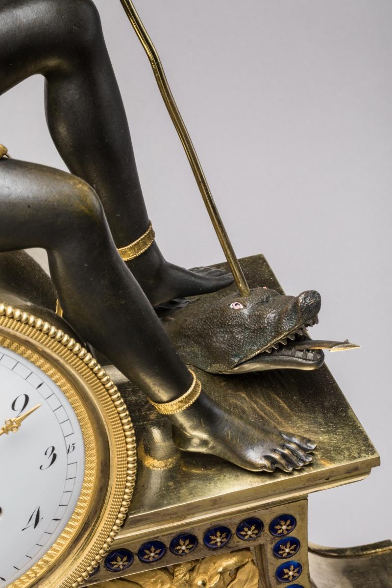 """Les pendules dites """"Au bon sauvage"""" et les créations de Jean-Simon Deverberie : L'Afrique et l'Amérique P1002013"""