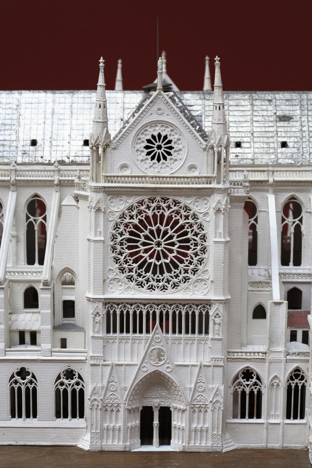 Maquettes historiques de la cathédrale Notre-Dame de Paris Paris_13