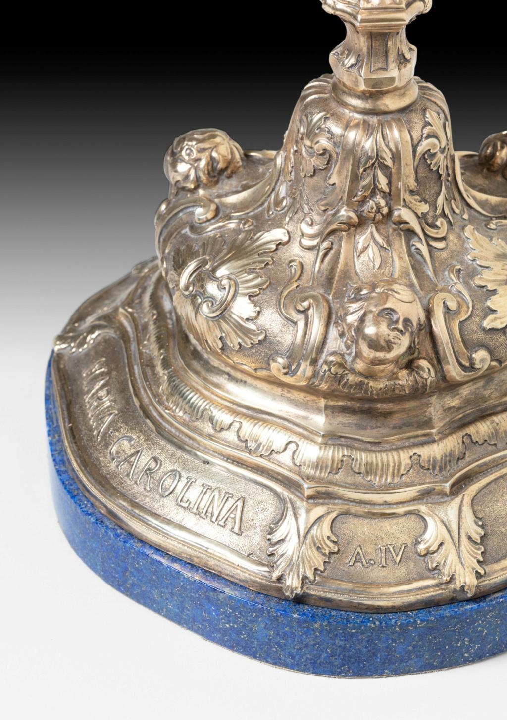 Les Roses d'or ou Roses bénites. L'exemplaire offert par le pape Clément XIV à la reine Marie-Caroline de Naples Pf214111