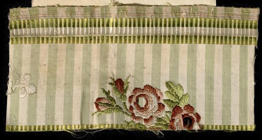 Fragments des robes de Marie-Antoinette - Page 3 Robe_m10