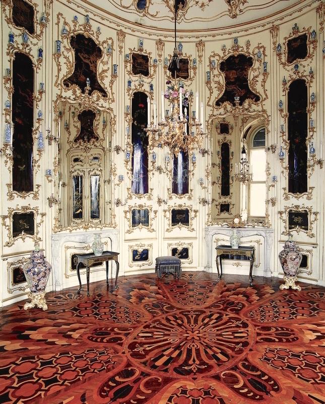 Les mécanismes des tables volantes au XVIIIe siècle Round_11