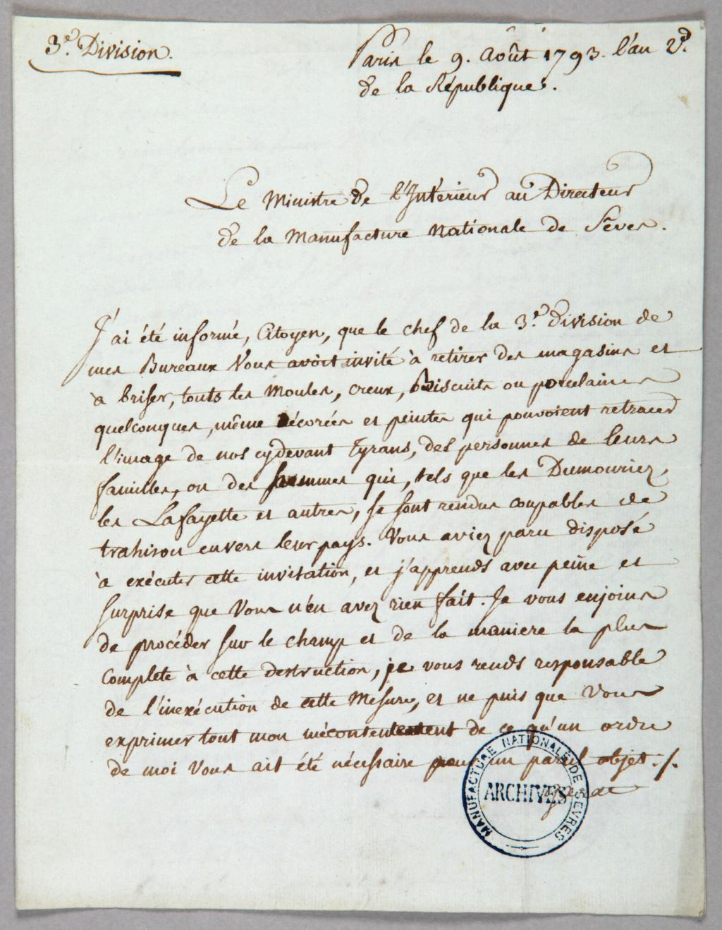 """Les services en porcelaine de Sèvres à décors """"révolutionnaires"""" (durant la Révolution française) S1360-10"""