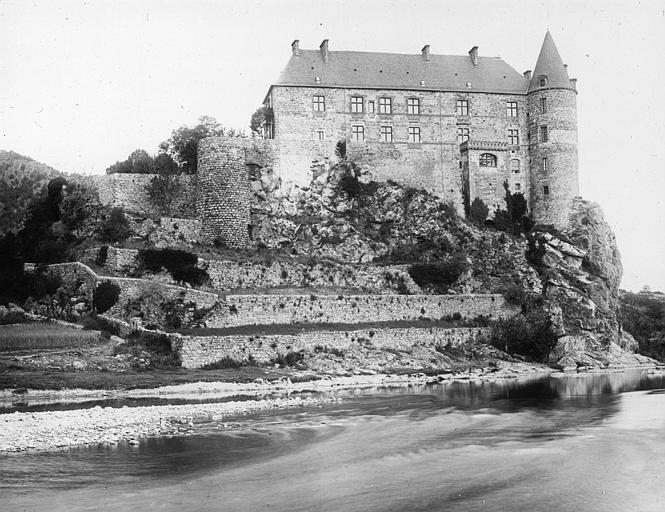 Le château de Lavoûte-Polignac (Haute-Loire) Sap01_11