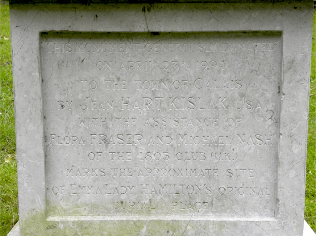 Emma Hart, Lady Hamilton, née Amy Lyons - Page 4 Tomb_e10