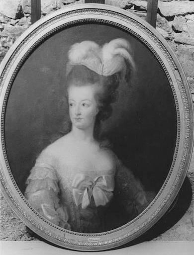 Marie-Antoinette en buste par et d'après Mme Vigée-Lebrun (1778) Vigee_14