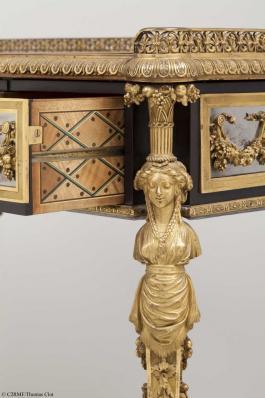 Chinoiseries et meubles de Marie-Antoinette : par Weisweiler, Macret et Riesener - Page 2 Weiswe11
