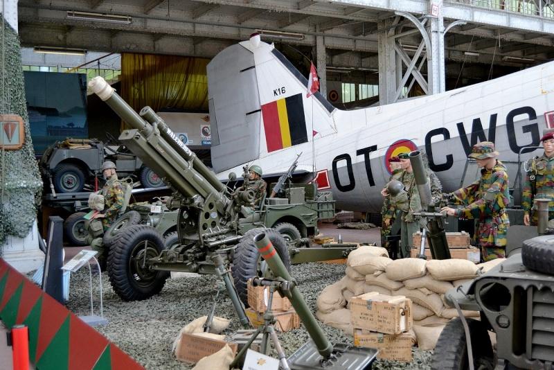 Musée royal de l'armée et de l'histoire militaire Bruxelles  Parach10
