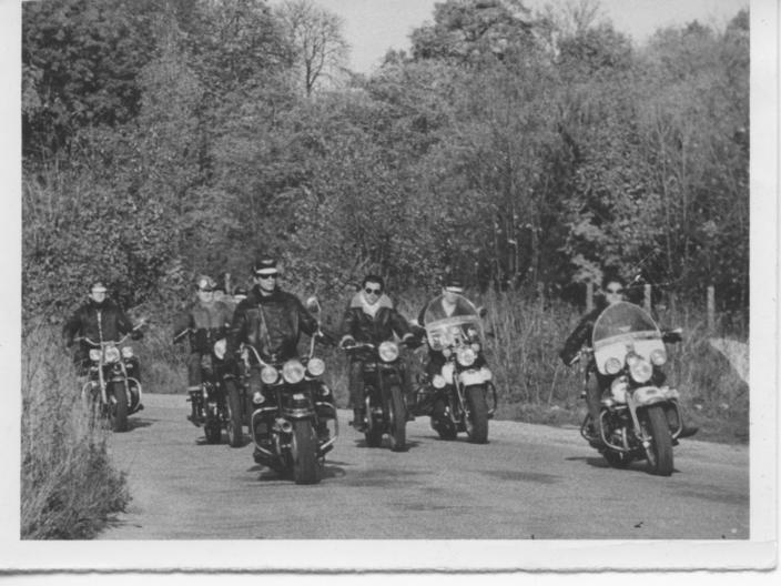 SHOVELHEAD FLH 1976  de Michel de BARBES  - Page 3 Harley11
