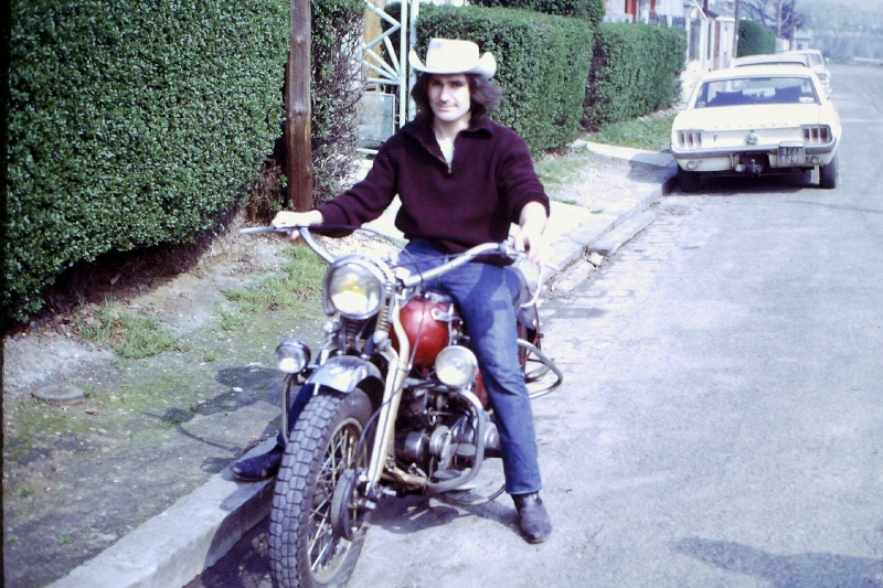 SHOVELHEAD FLH 1976  de Michel de BARBES  - Page 3 Pic20110